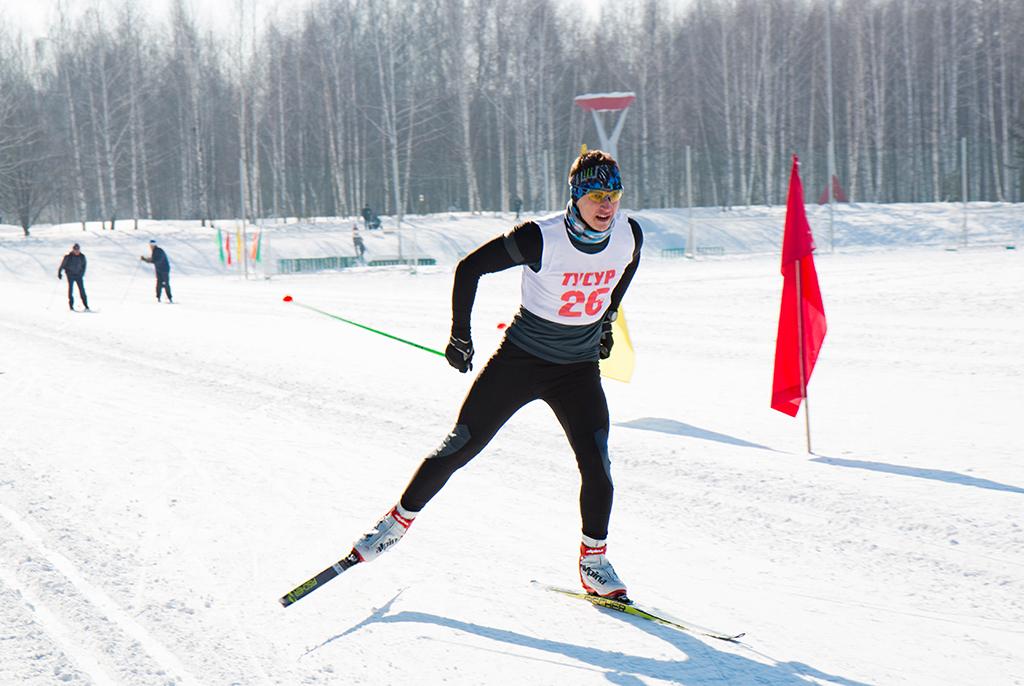 Держи лыжню: вТУСУРе состоялась традиционная лыжная гонка сотрудников истудентов