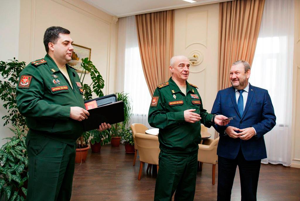Ректор ТУСУРа награждён медалью Военного комиссариата Томской области