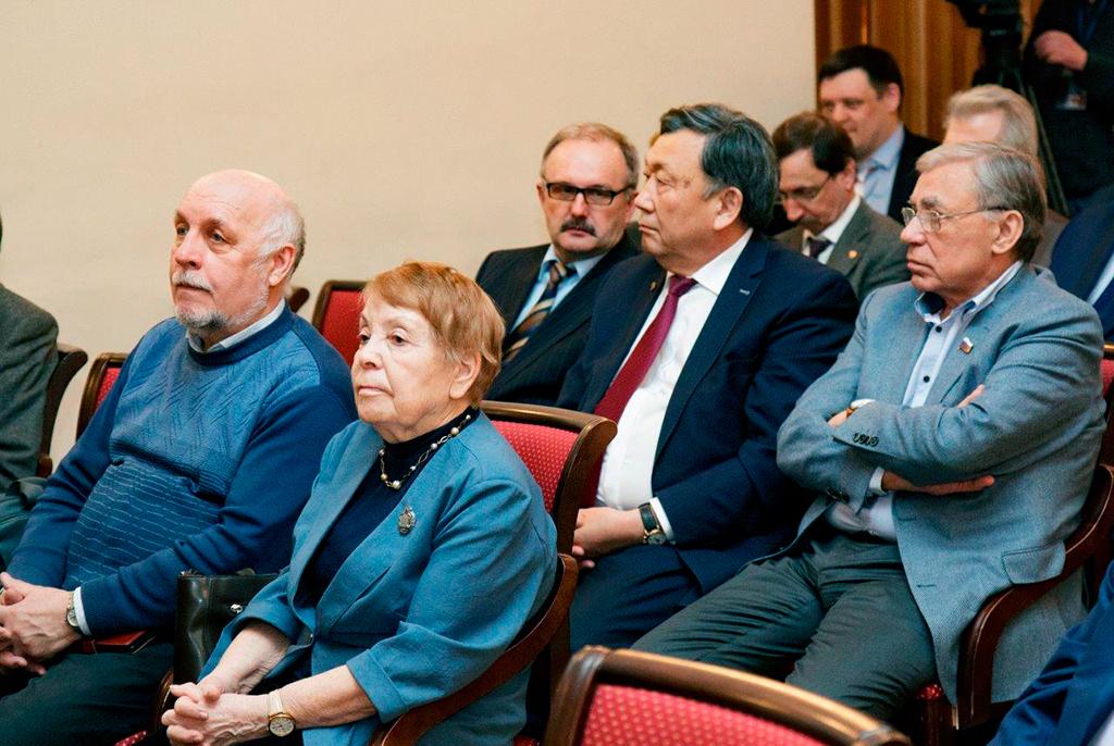 Профессор ТУСУРа награждён золотым знаком Томского профессорского собрания
