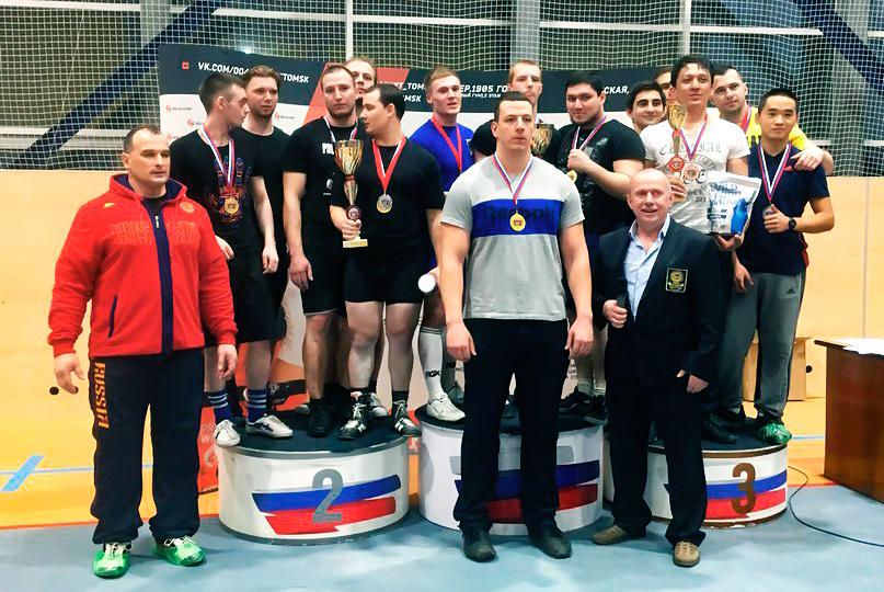 Команда ТУСУРа стала чемпионом соревнований попауэрлифтингу