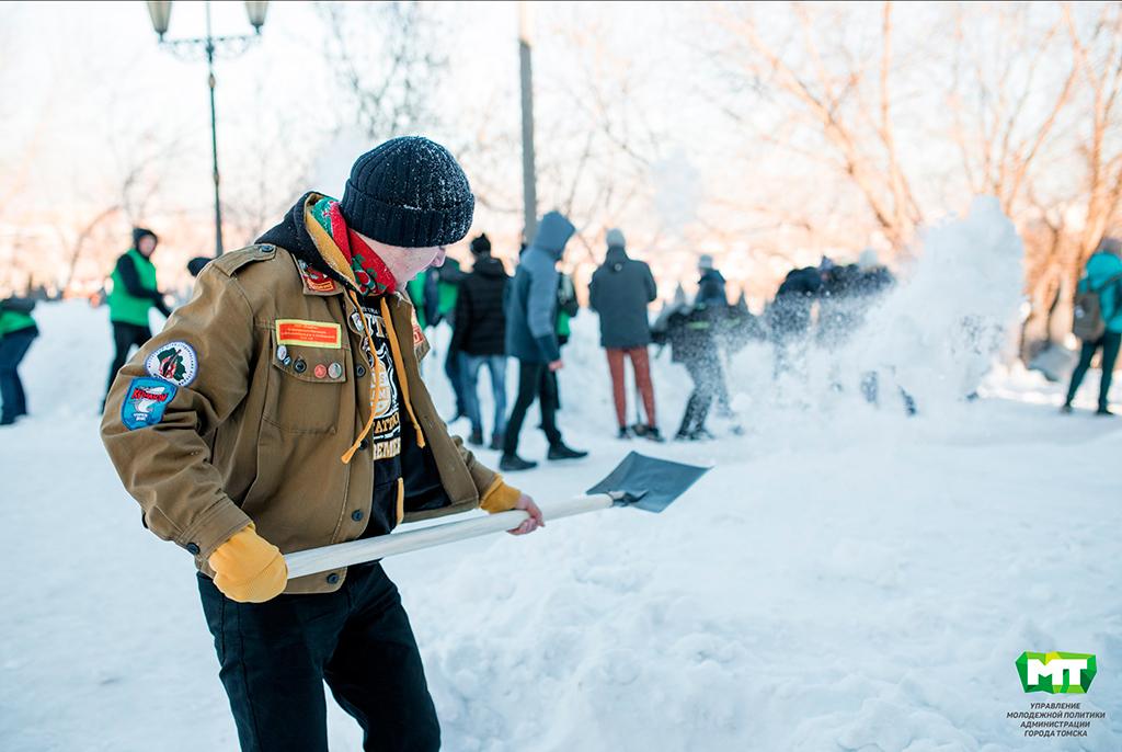 Студенты ТУСУРа вместе смэром Томска закроют «Снежную вахту»