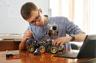 Экстремальная робототехника: вТУСУРе разработали платформу дляробота-спасателя