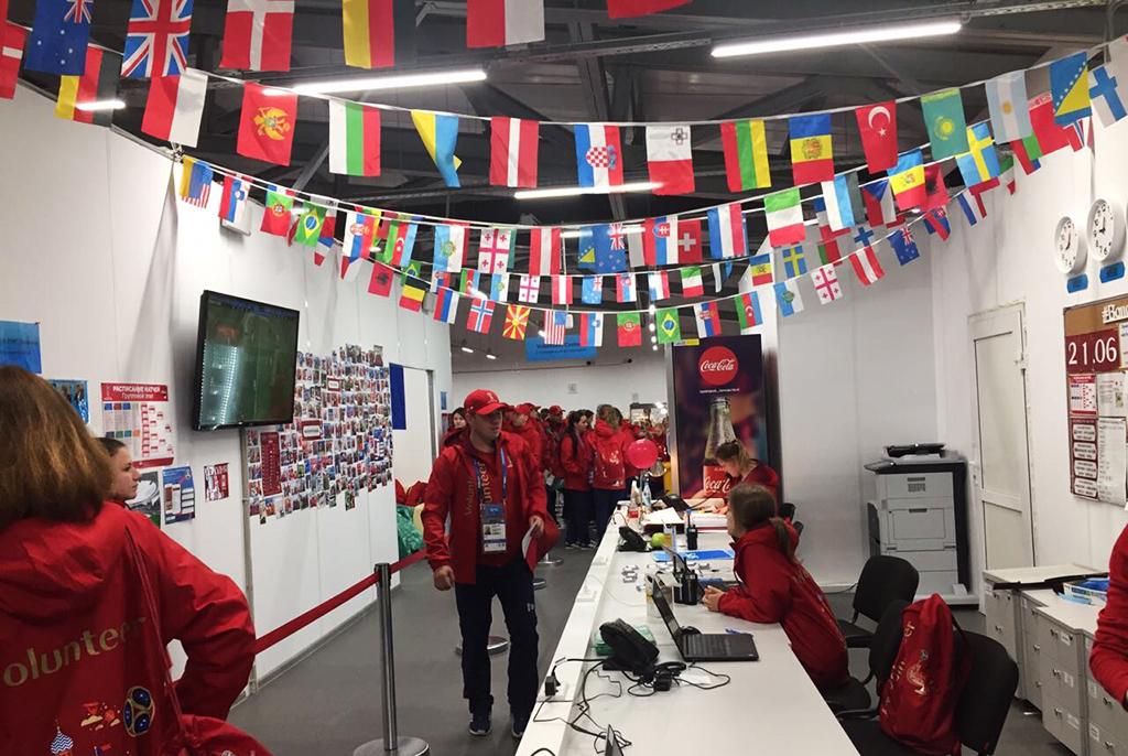Атмосфера праздника: студент ТУСУРа оволонтёрстве начемпионате мира пофутболу