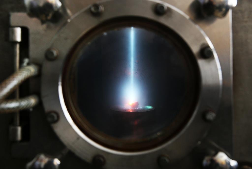 Учёные ТУСУРа разрабатывают технологии дляэлектронно-лучевой обработки полимерных икерамических материалов