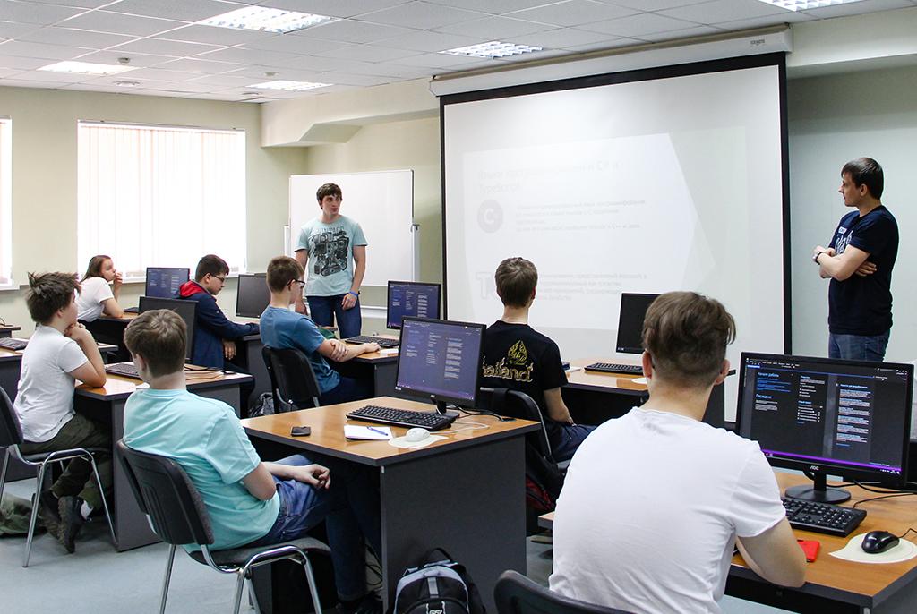 ВТУСУРе открыт набор школьников вспециализированные классы
