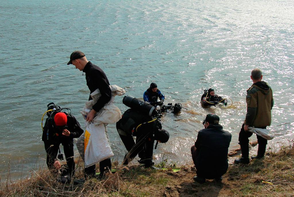 Озеро стало чище: дайверы ТУСУРа провели экологический мониторинг Сенной Курьи