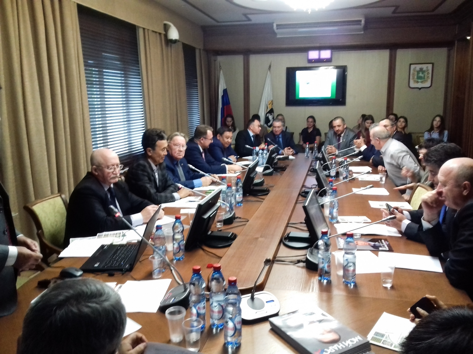 Доцент истуденты ТУСУРа приняли участие вработе научно-практической конференции