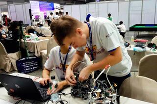 Импульс кразвитию: победители соревнований RoboСup опоступлении вТУСУР иотечественной робототехнике
