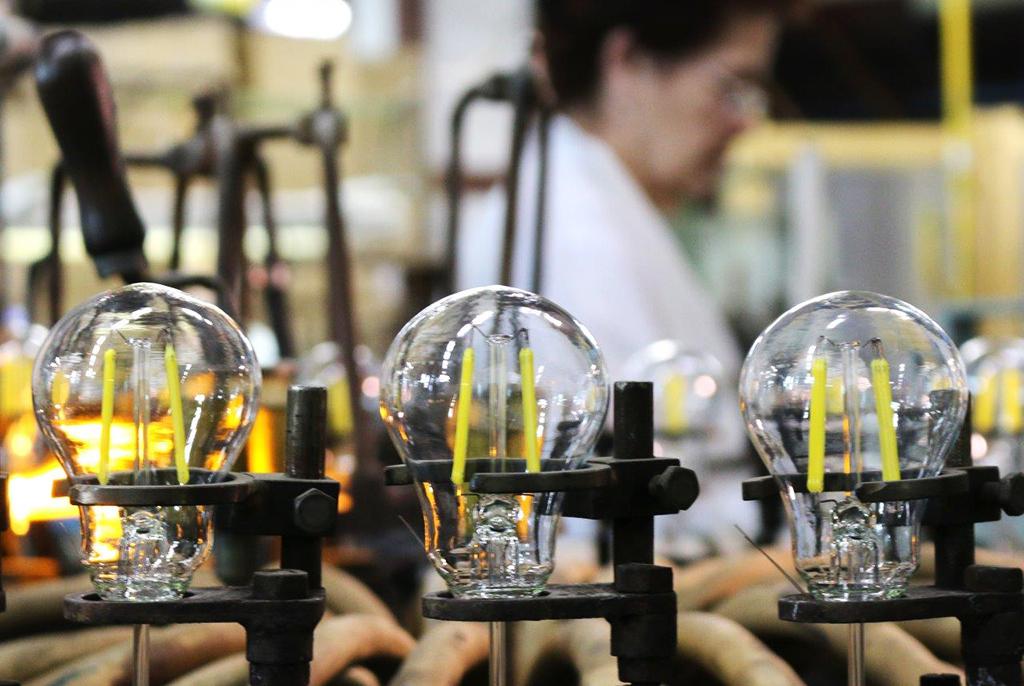 Учёные ТУСУРа предложили решение, увеличивающее срок службы светодиодной лампы
