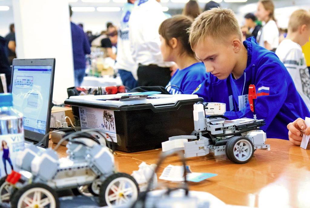 Команды ТУСУРа стали победителями Кубка ректора поробототехнике втрёх номинациях