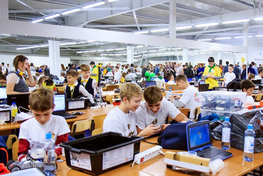 ТУСУР участвует всоздании интеллекта робота-тьютора длямасштабного использования вшколах
