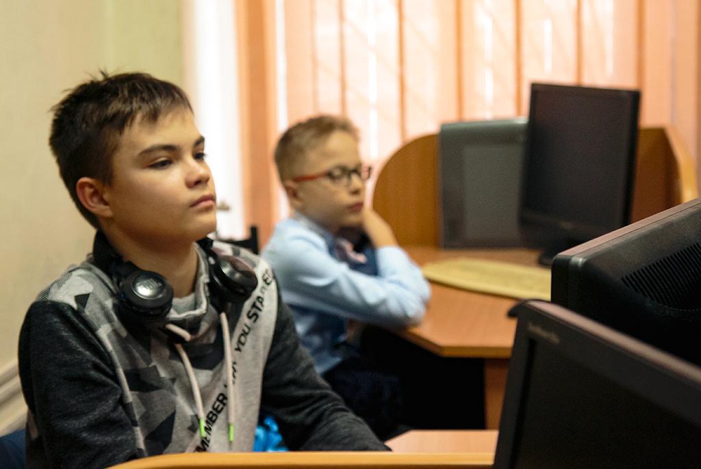 Проектный IT-опыт: в ТУСУРе школьники участвуют в веб-разработке и создании мобильных приложений