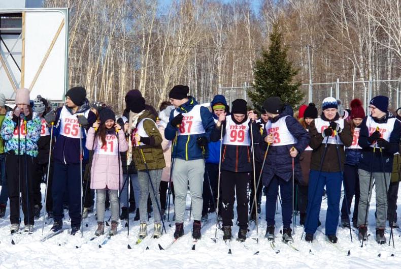 ТУСУР встретил зимнюю Универсиаду лыжным марафоном