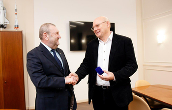 Prominent Researcher Sergey Odintsov Awarded TUSUR Silver Pin