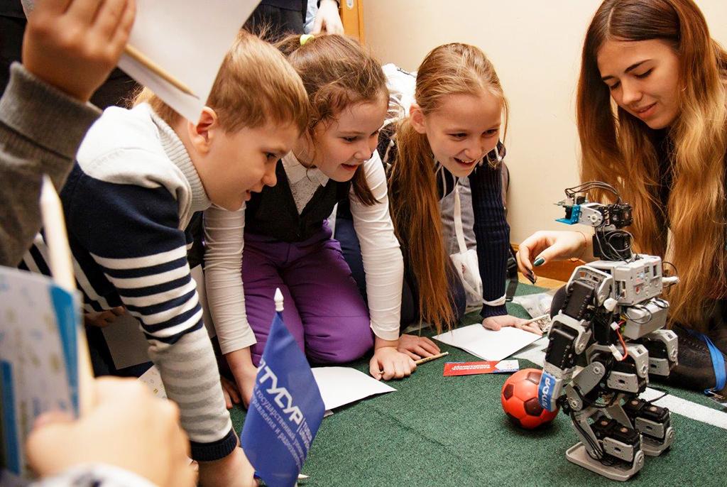 Соревнования роботов в новых футбольных лигах пройдут на российском чемпионате RoboCup в Томске
