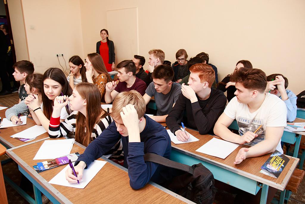 В День открытых дверей в ТУСУРе школьники нашли свой «пятый элемент»