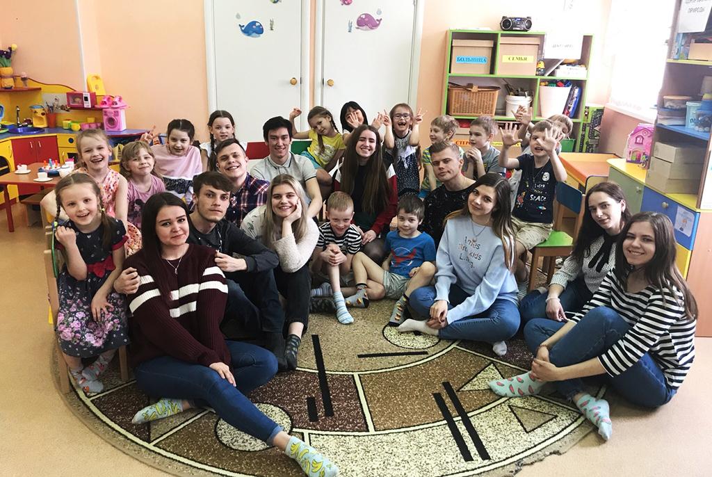 Особая среда: волонтёры ТУСУРа участвуют в социальной реабилитации детей в стационарах