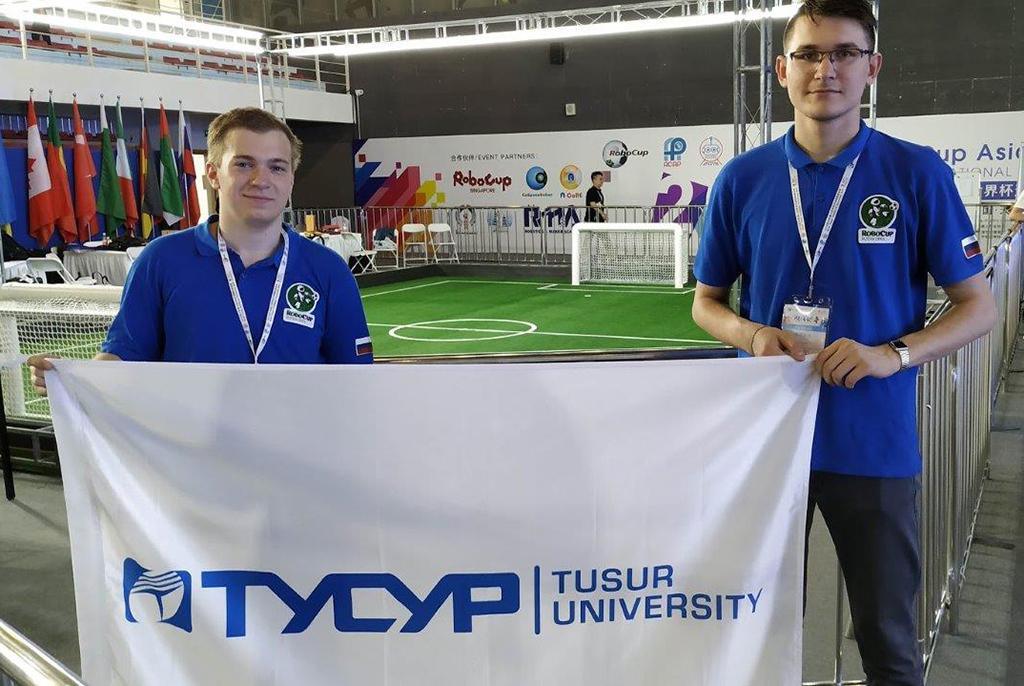Студенты ТУСУРа – победители новых робототехнических соревнований в линейке RoboCup
