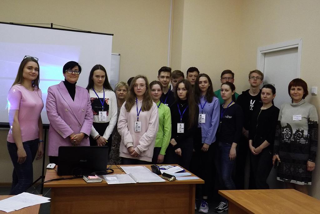 4 июня в ТУСУРе стартовала летняя сессия языковой школы для учащихся Томского физико-технического лицея