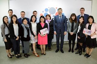 Участников международного форума АТЭС познакомили в ТУСУРе с первым российским бизнес-инкубатором