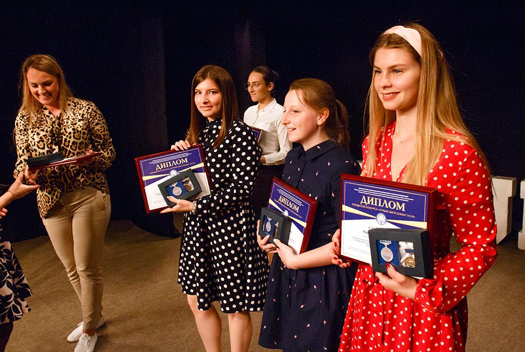Медали первых: в ТУСУРе наградили лучших выпускников университета