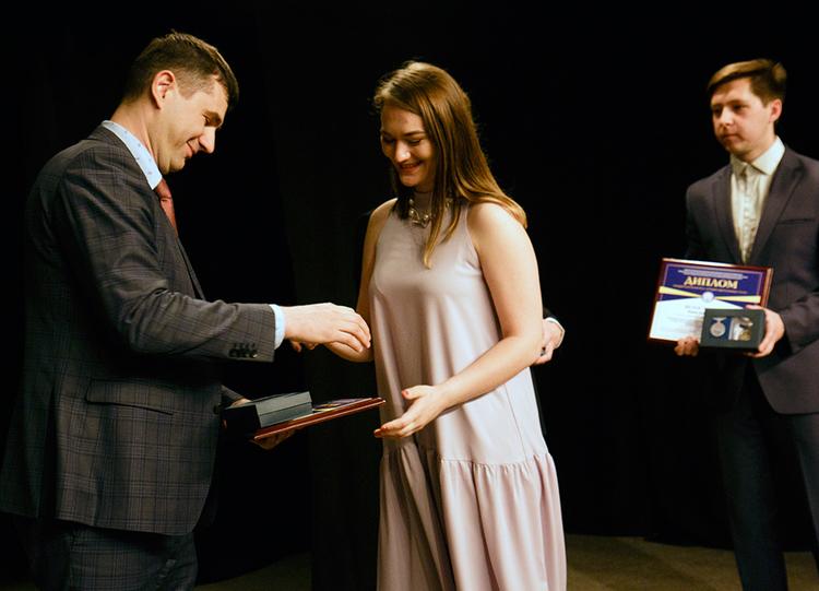 Награждение лучших выпускников ТУСУРа 2019 года