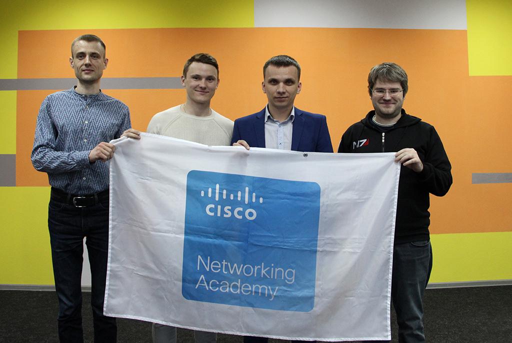 Сетевая академия Cisco ТУСУРа ведёт набор в очные группы на фирменные учебные программы компании Cisco