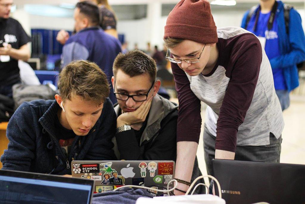 Первые студенты зачислены в сетевую магистратуру ТУСУРа и Сколтеха