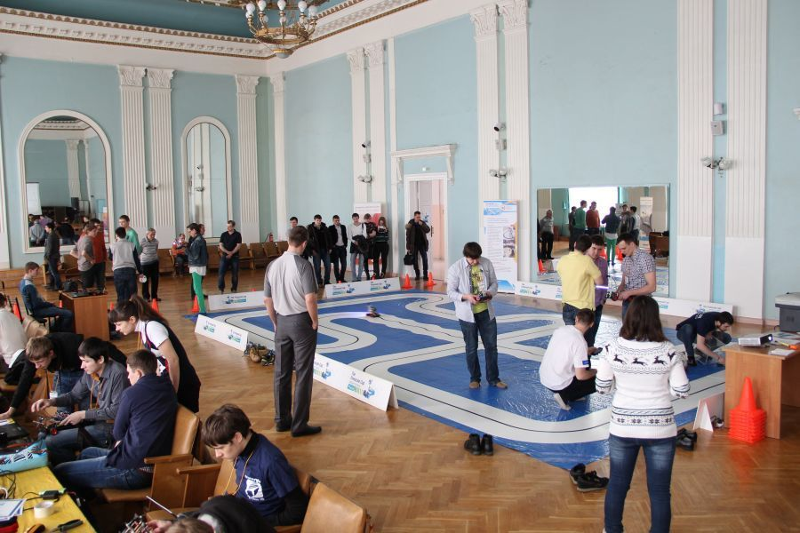 TUSUR hosted theRussian qualification ofThe Freescale Cup