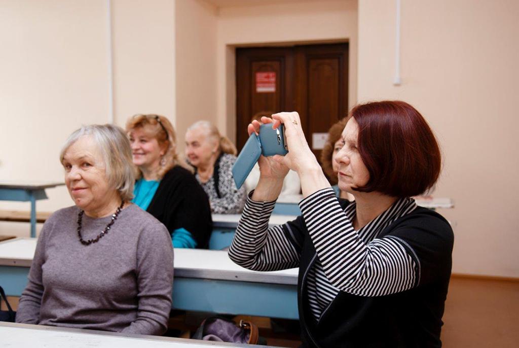 В ТУСУРе стартует новый сезон Школы информационных технологий для старшего поколения
