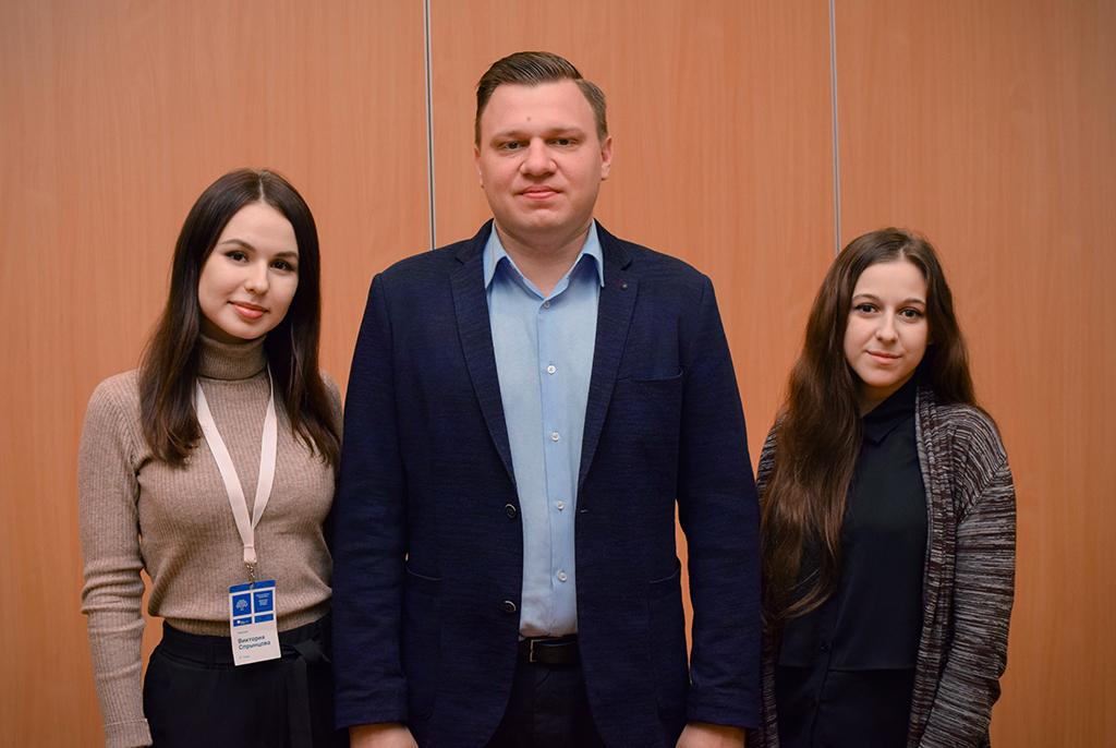 Сотрудники экономического факультета ТУСУРа прошли обучение в школе экспертов-модераторов «Проектные решения молодых»