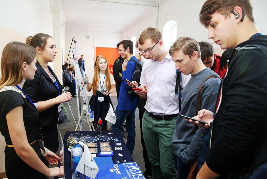 Представители российских компаний готовы предложить студентам ТУСУРа более 800 вакансий