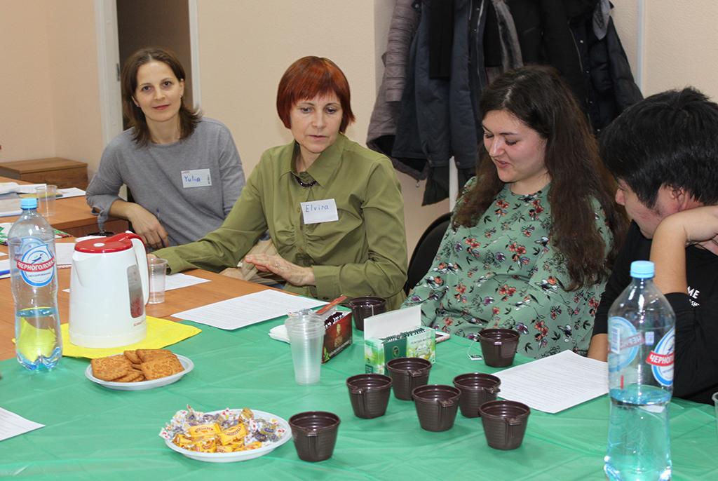 Тёплый ноябрь, разговор на английском и чай: встреча в разговорном клубе ТУСУРа