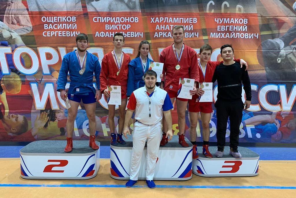 Спортсмены ТУСУРа завоевали медали чемпионата и первенства по самбо