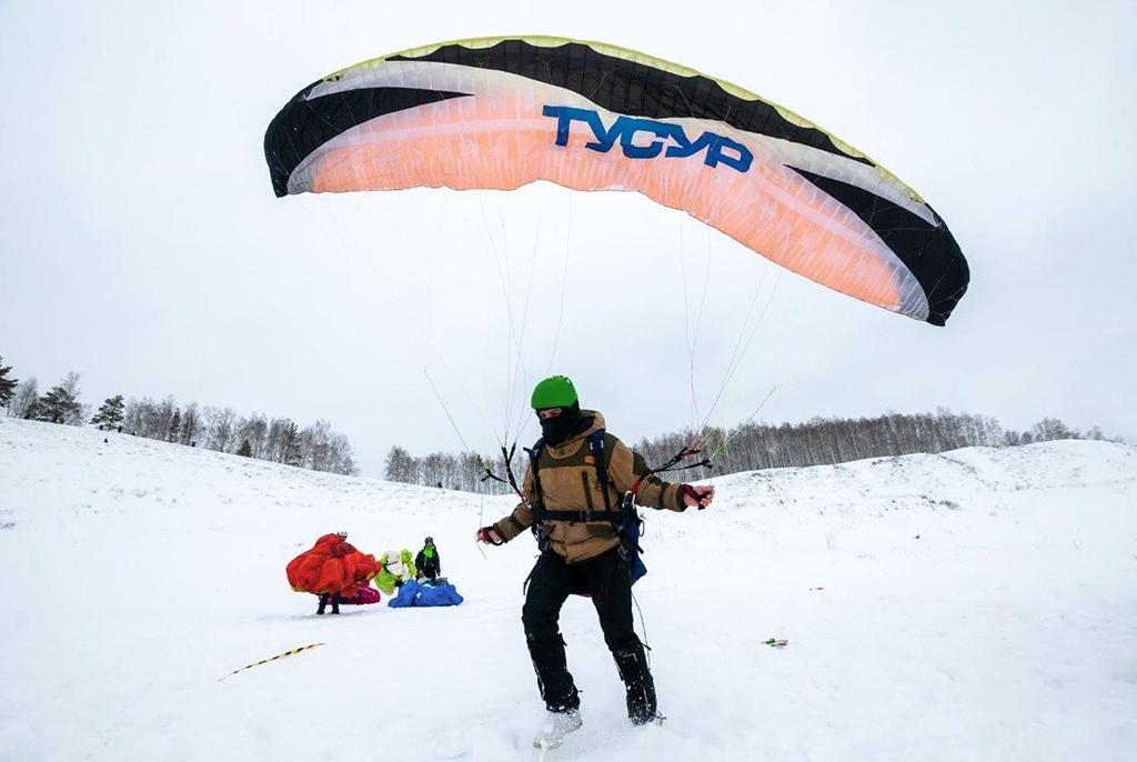 Пилоты ТУСУРа победили в чемпионате Томской области по парапланерному спорту
