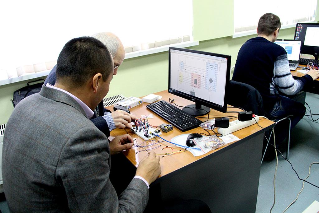 Центр компетенций НТИ «Сенсорика» и УДО ИИ ТУСУРа приглашают на онлайн-курсы по телемедицине и СВЧ-технологиям