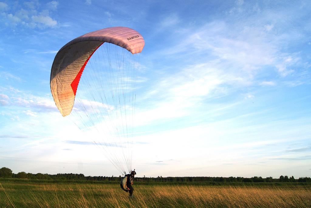 Двум пилотам парапланерного клуба ТУСУРа «Поднебесье» присвоены звания мастеров спорта России