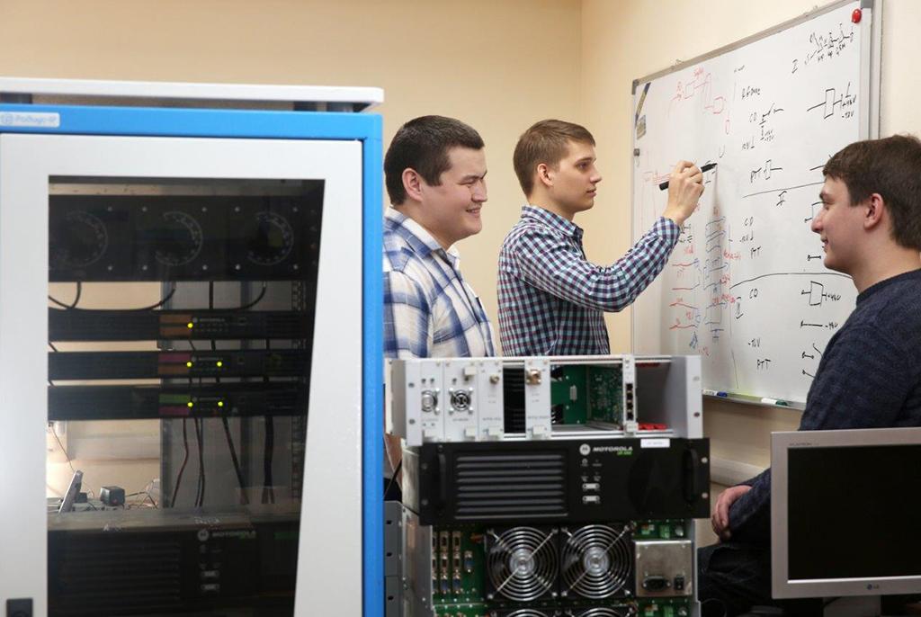 ТУСУР совместно с ведущими компаниями проводит для студентов конкурс высокотехнологичных проектов