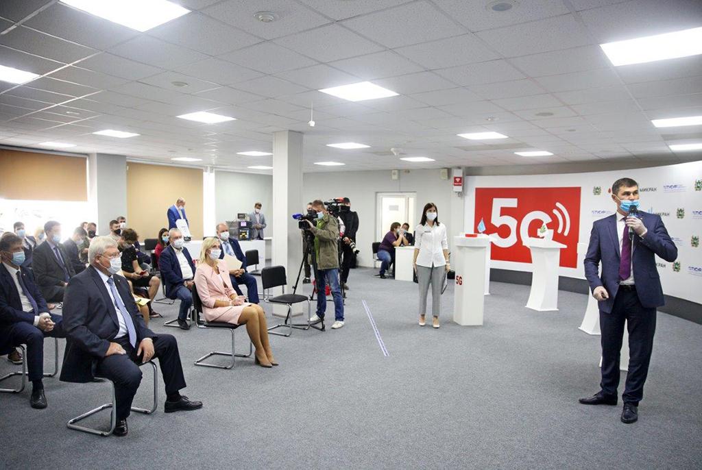 Ректор ТУСУРа: «Первый полигон 5G за Уралом – область новых возможностей в микроэлектронике и системах связи нового поколения»