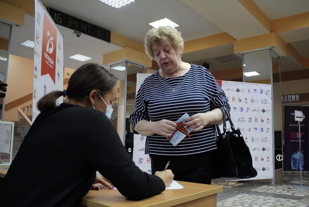 Сенатор Владимир Кравченко открыл в ТУСУРе «Диктант Победы»