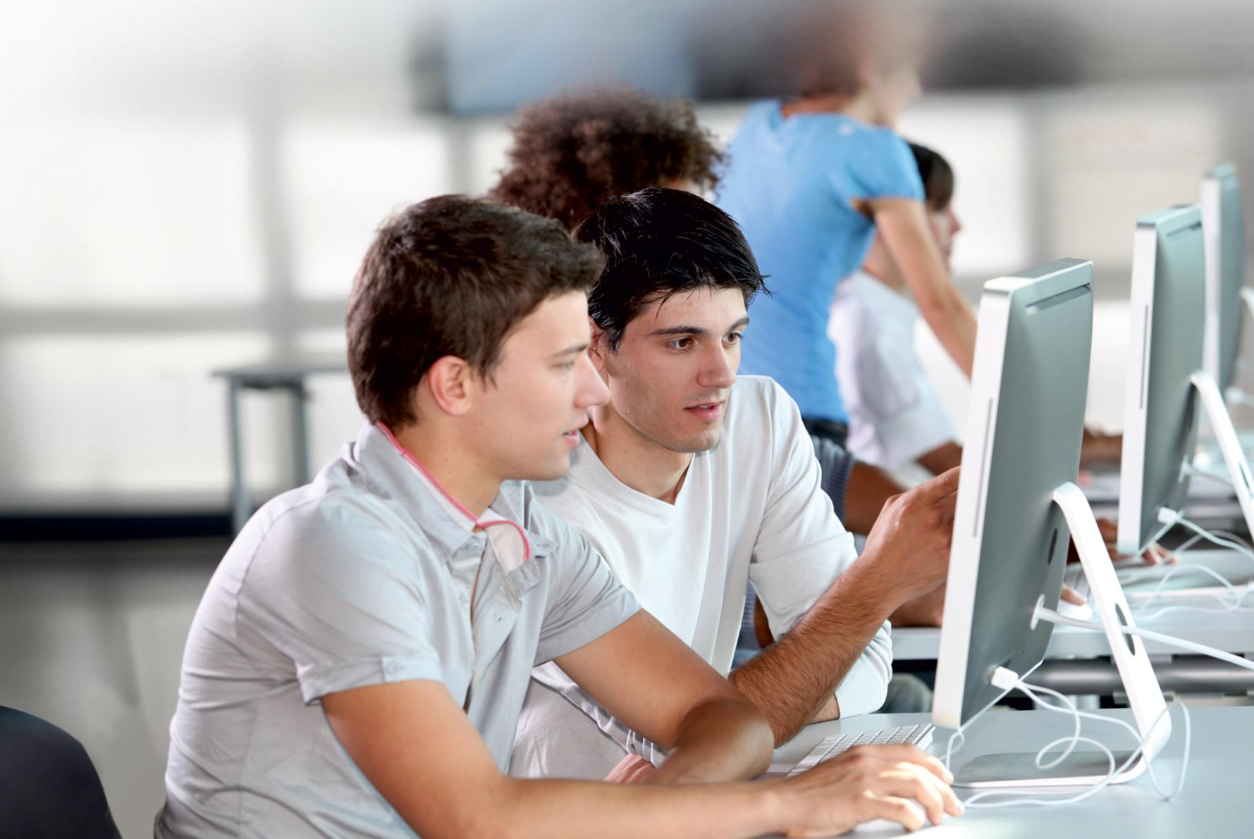 ТУСУР ведёт набор учащихся 6 – 11-х классов в специализированные классы и на программы дополнительного образования школьников