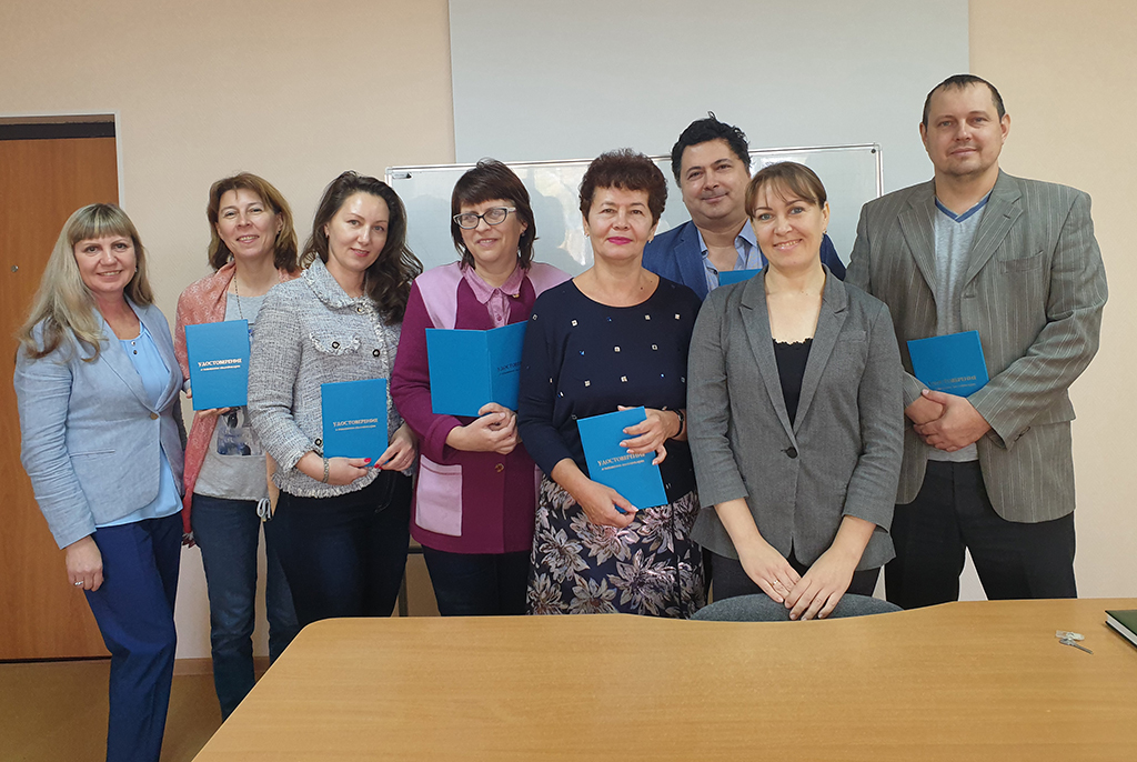 Первые выпускники программы повышения квалификации в Lingva TUSUR получили удостоверения