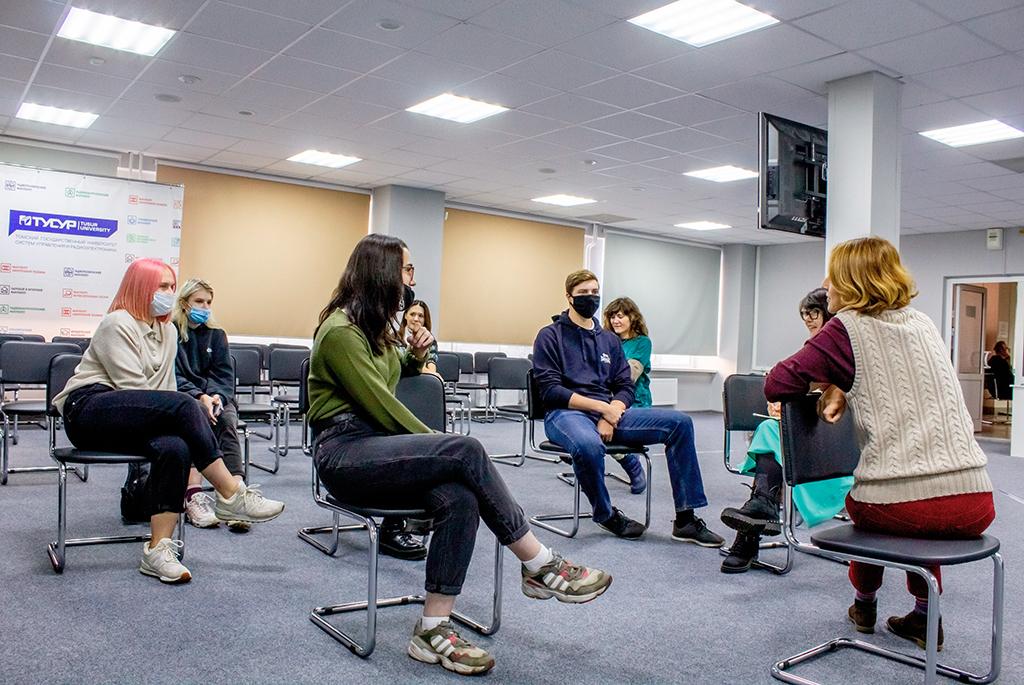 В экологическом клубе ТУСУРа «Зелёный свет» прошла встреча с представителями движения Van&Gog