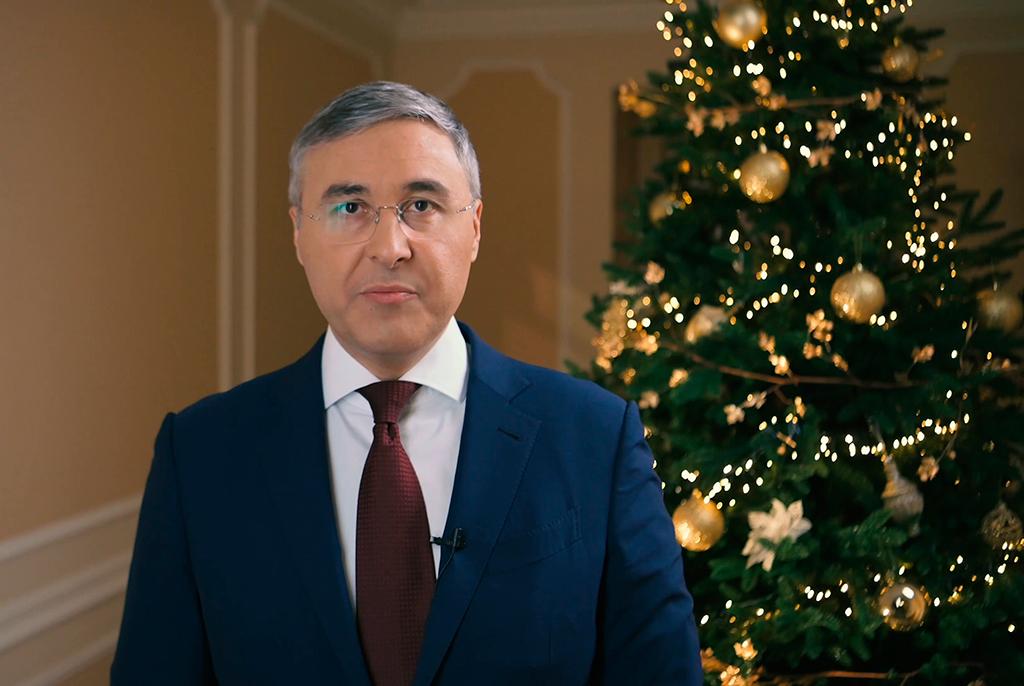 Глава Минобрнауки РФ Валерий Фальков поздравил с Новым годом