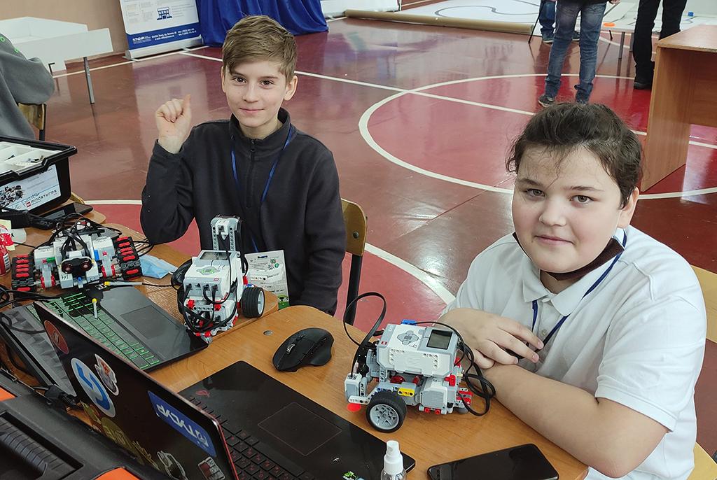 Команды IT-CUBE – победители региональной олимпиады по образовательной робототехнике