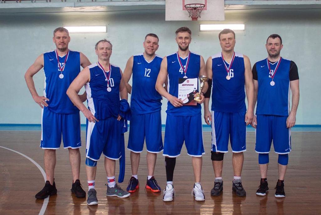 Баскетболисты-ветераны ТУСУРа заняли призовое место на Кубке Ивана Дворного