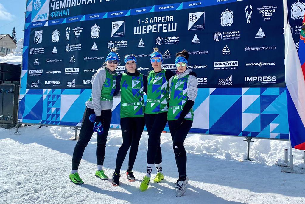 Команда ТУСУРа приняла участие в чемпионате России по волейболу на снегу