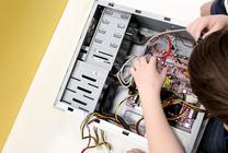 Мастер-класс по сборке компьютера провели для школьников в ТУСУРе