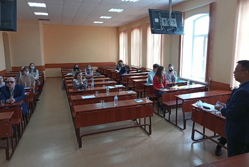 Студенты ТУСУРа приняли участие в обсуждении актуальных проблем социальной работы в современном обществе