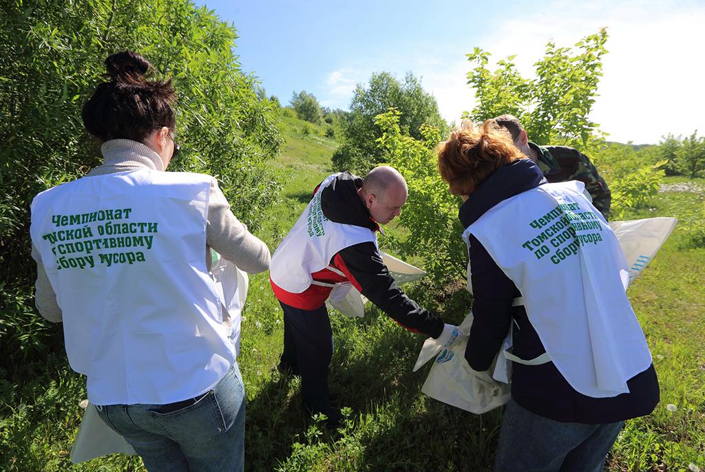 Тусуровский спасотряд принял участие в судействе чемпионата по сбору мусора